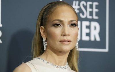 Jennifer Lopez! muestra los tacones que mejor van con baggy jeans